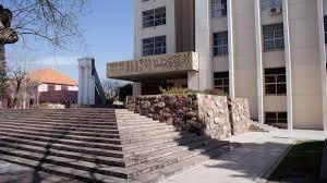 LOS PUESTOS LABORALES Y LOS SALARIOS DE LOS TRABAJADORES MUNICIPALES EN GUAYMALLÉN